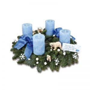 Adventskranz mit Eisbärendeko
